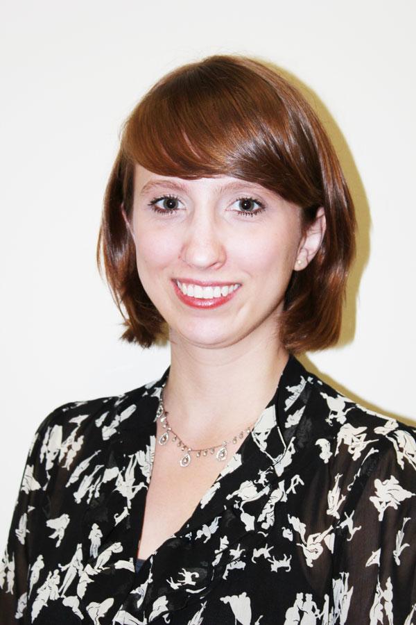 Caitlin Schnur Headshot
